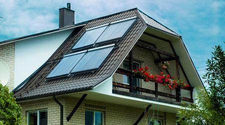 Saulės kolektorių sistema Ąžuolų Būdoje